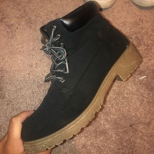TIMBERLAND STYLE BOOTS